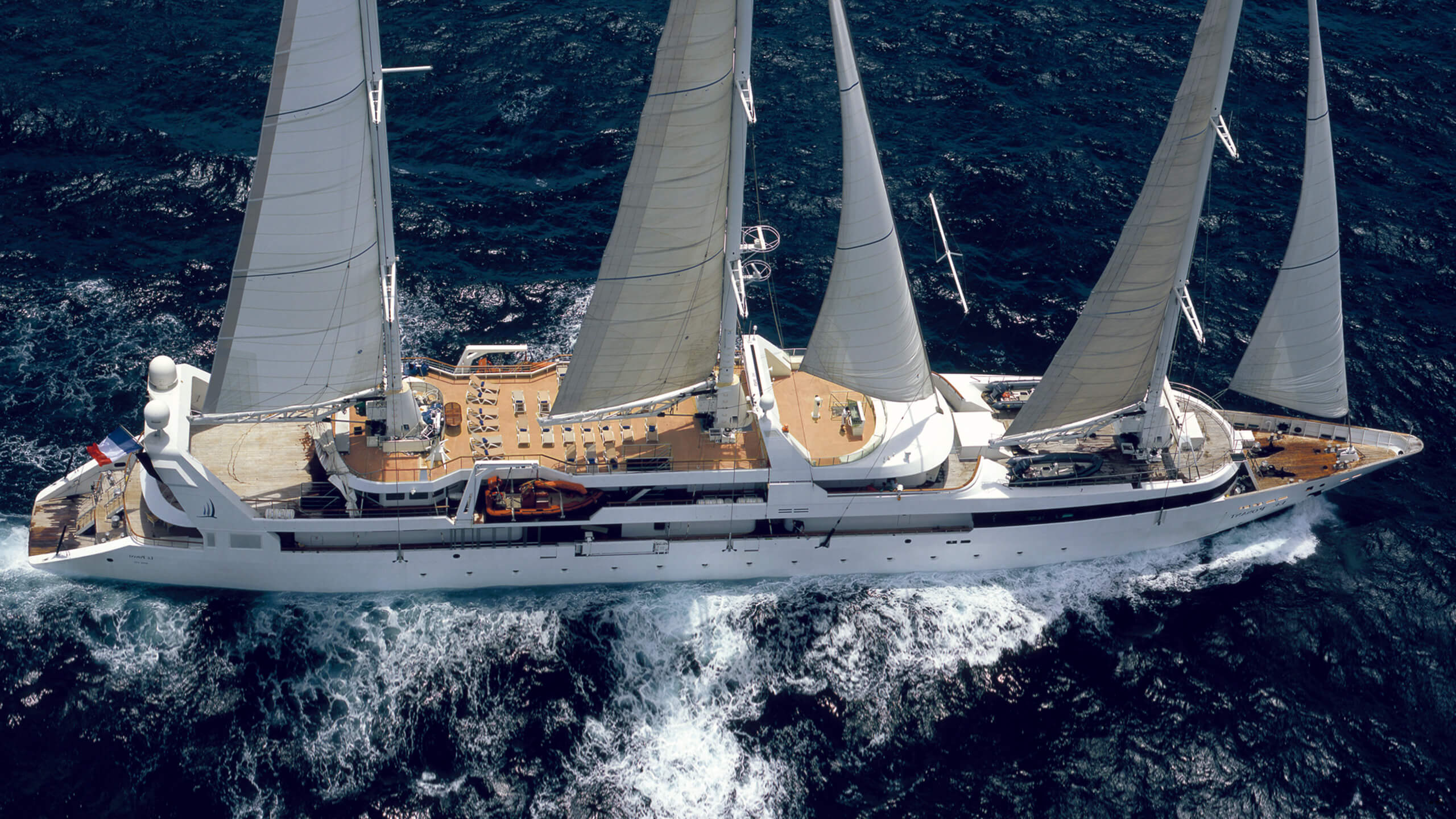 Le Ponant Stirling Design